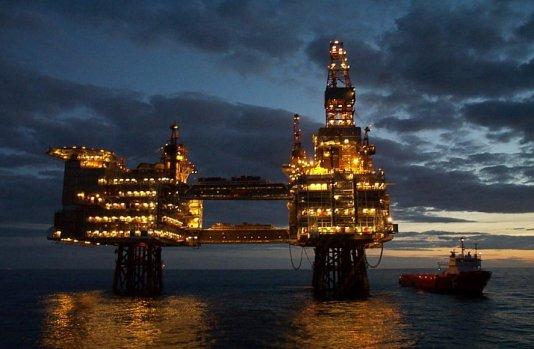 offshore_platform_in_night