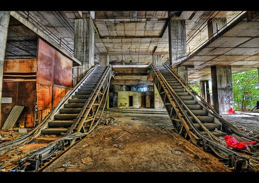 5d4d55246b9bdd8946ac0cd89dec9552--escalator-urban-decay-photography